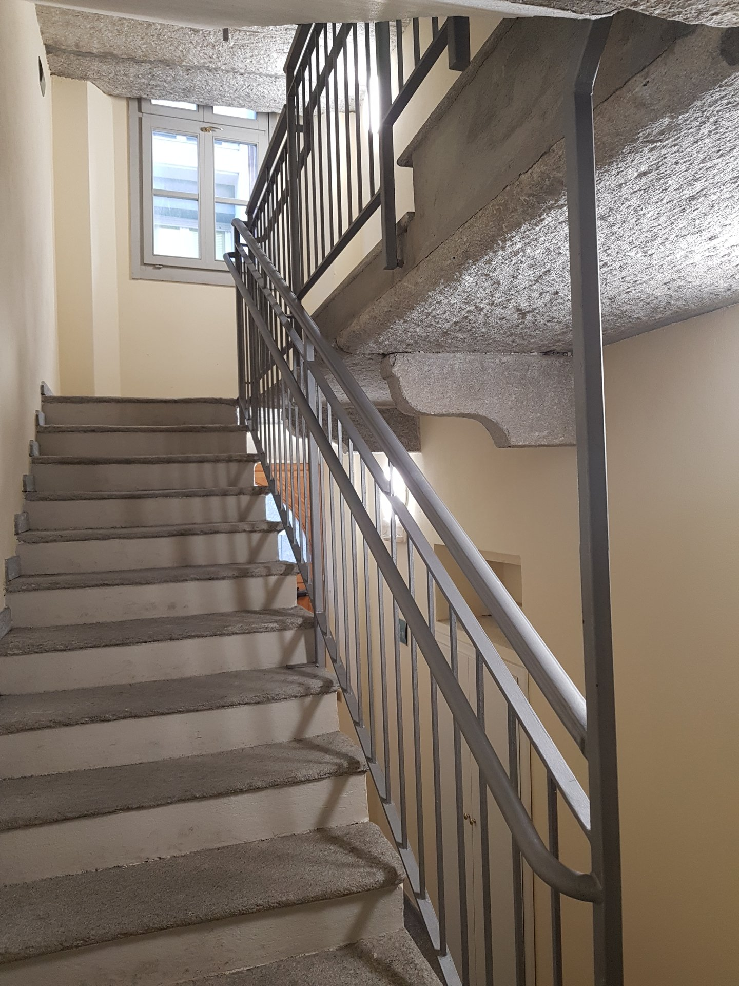 Renovated apartment for sale in Verbania in front of Lake Maggiore - stairs