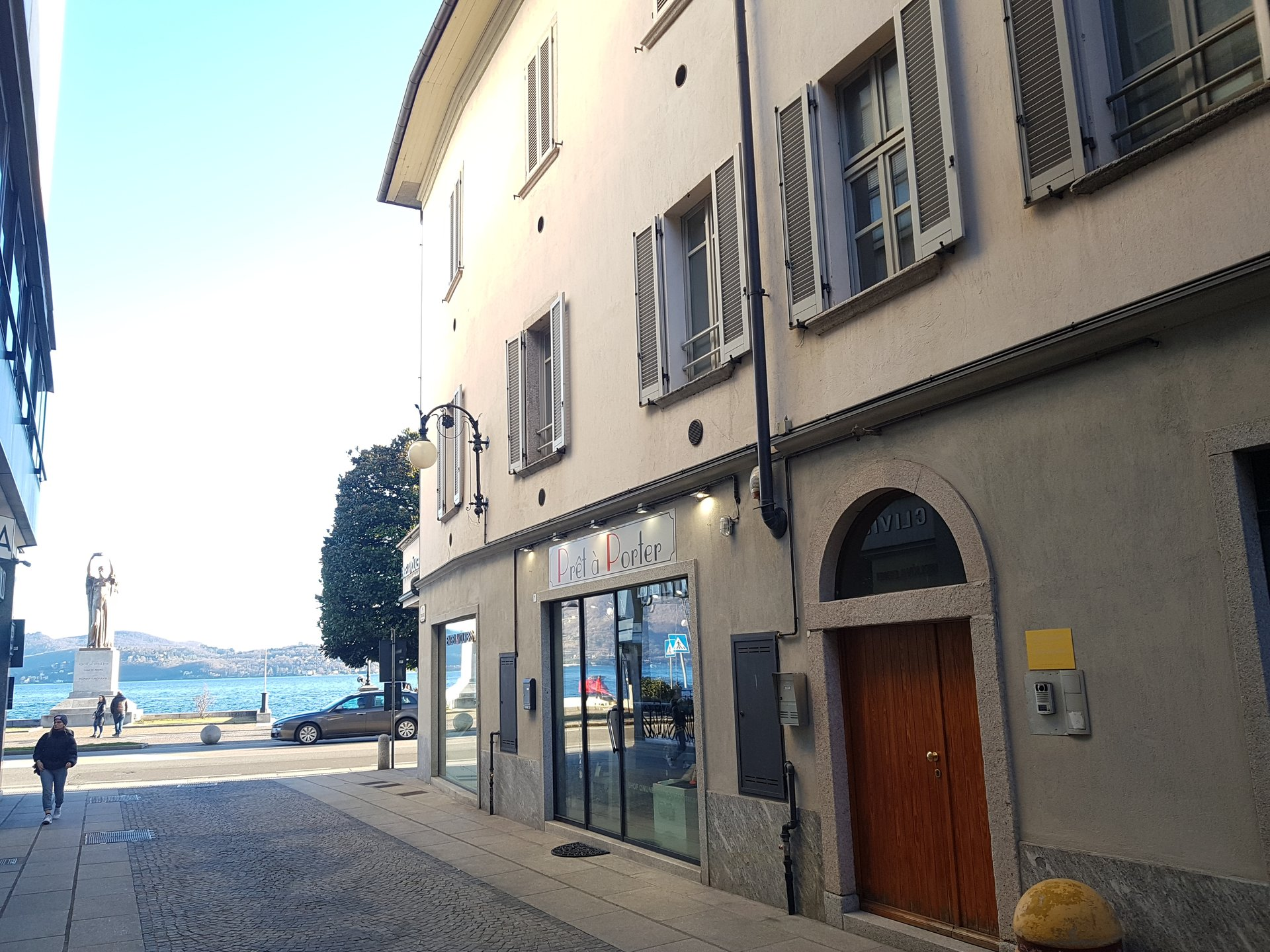 Renovated apartment for sale in Verbania in front of Lake Maggiore - glimpse