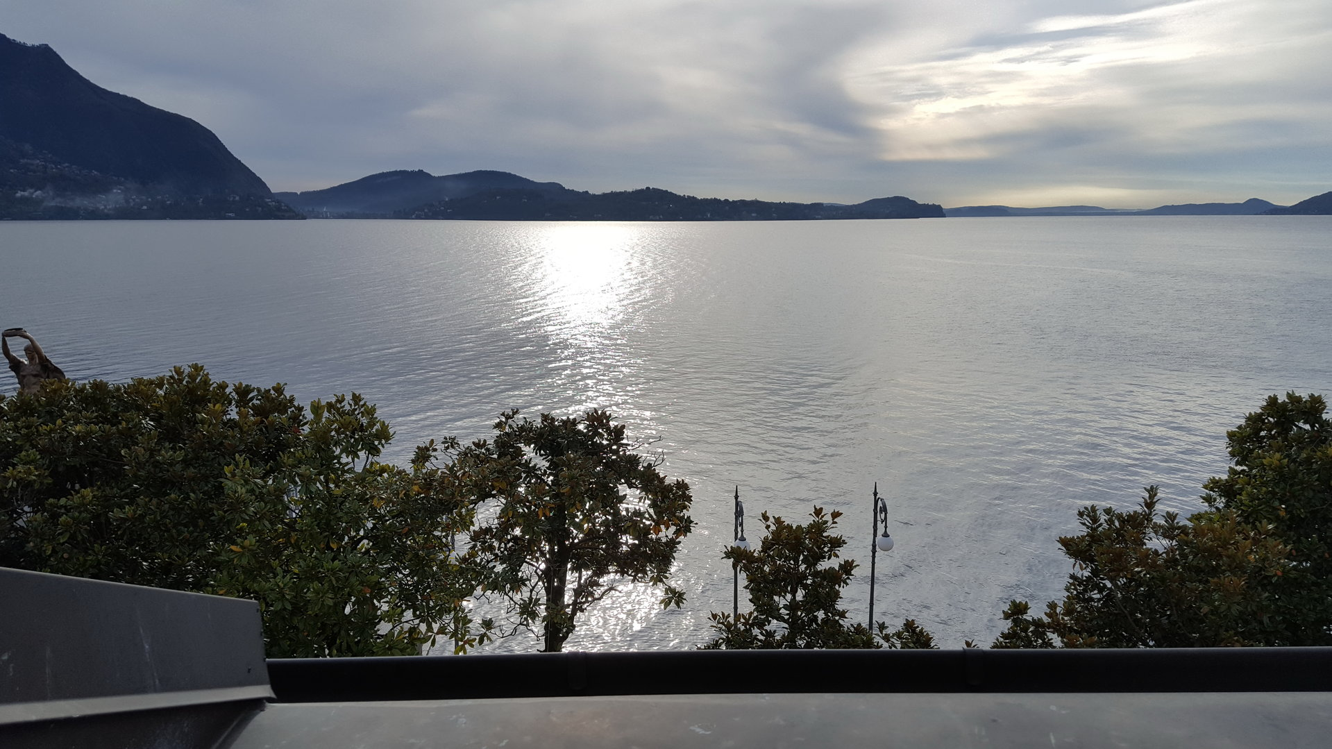 Renovated attic for sale on Verbania lakefront - lake view