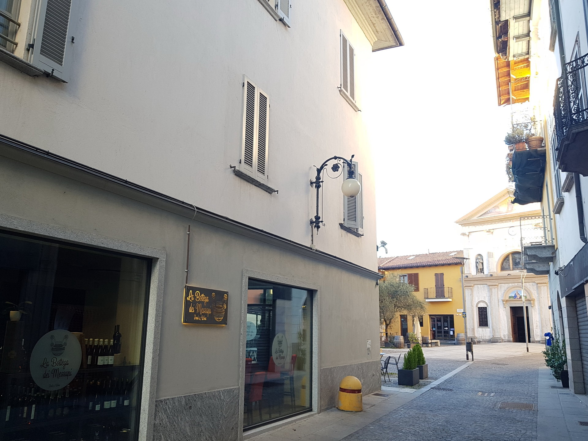 Renovated attic for sale in Verbania centre - external wall