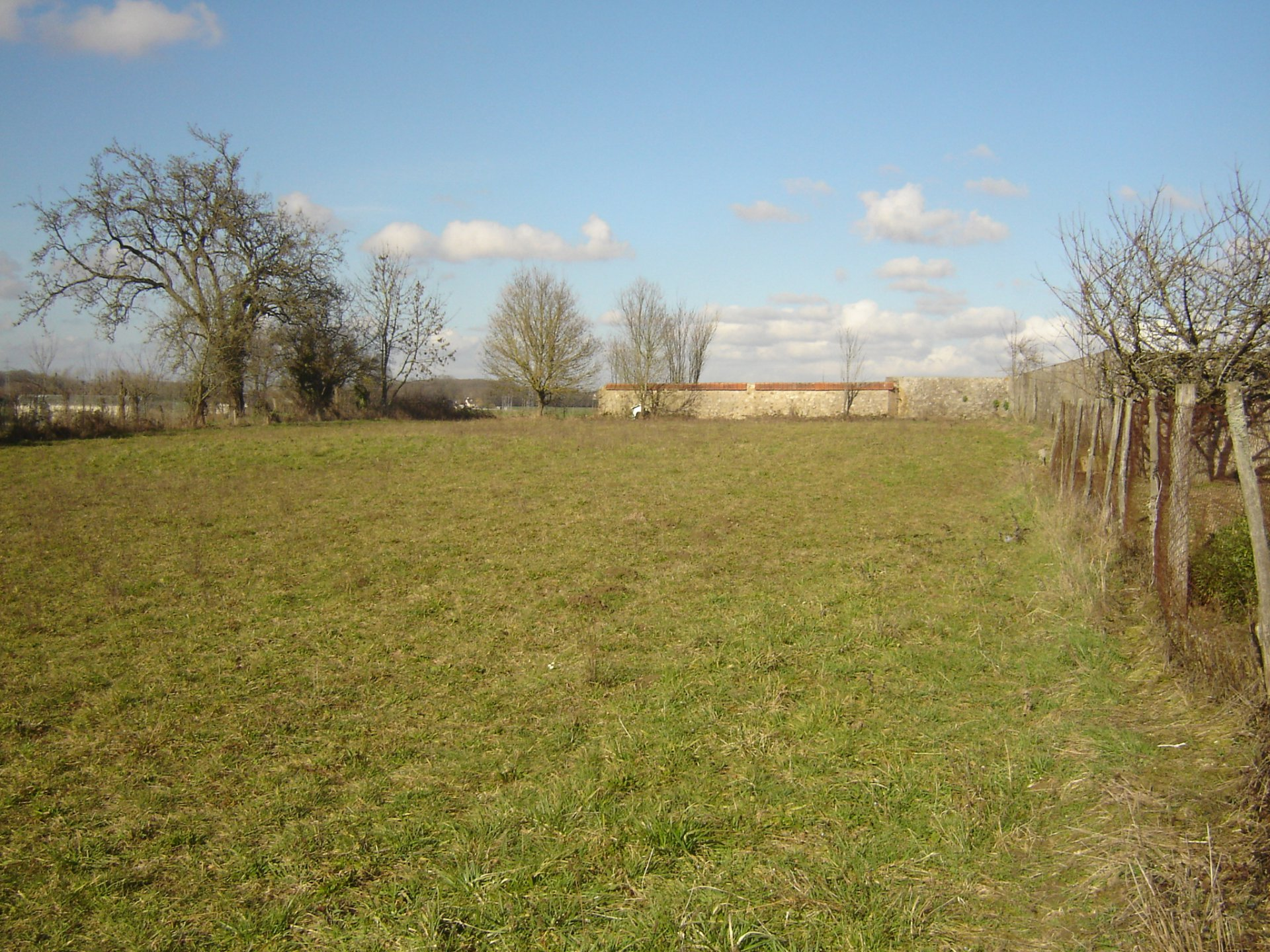 Sale Building land - Piffonds