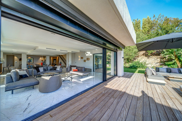 SUPER CANNES VILLA SPACIEUSE CONTEMPORAINE
