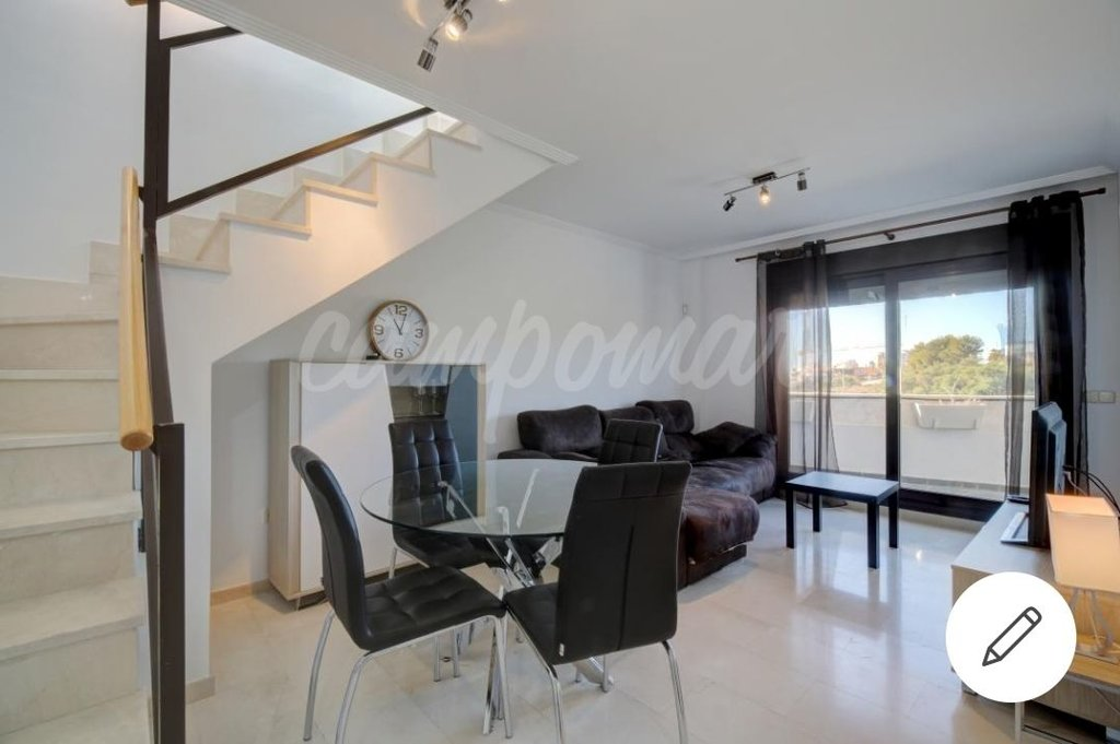 Penthouse in 2 levels, just 2 minutes from the Port
