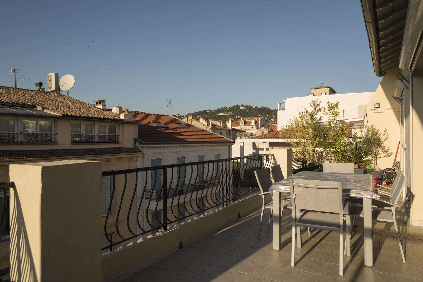 SOLE AGENT LAST FLOOR 4P 90 M ² + 30 M ² Terrace