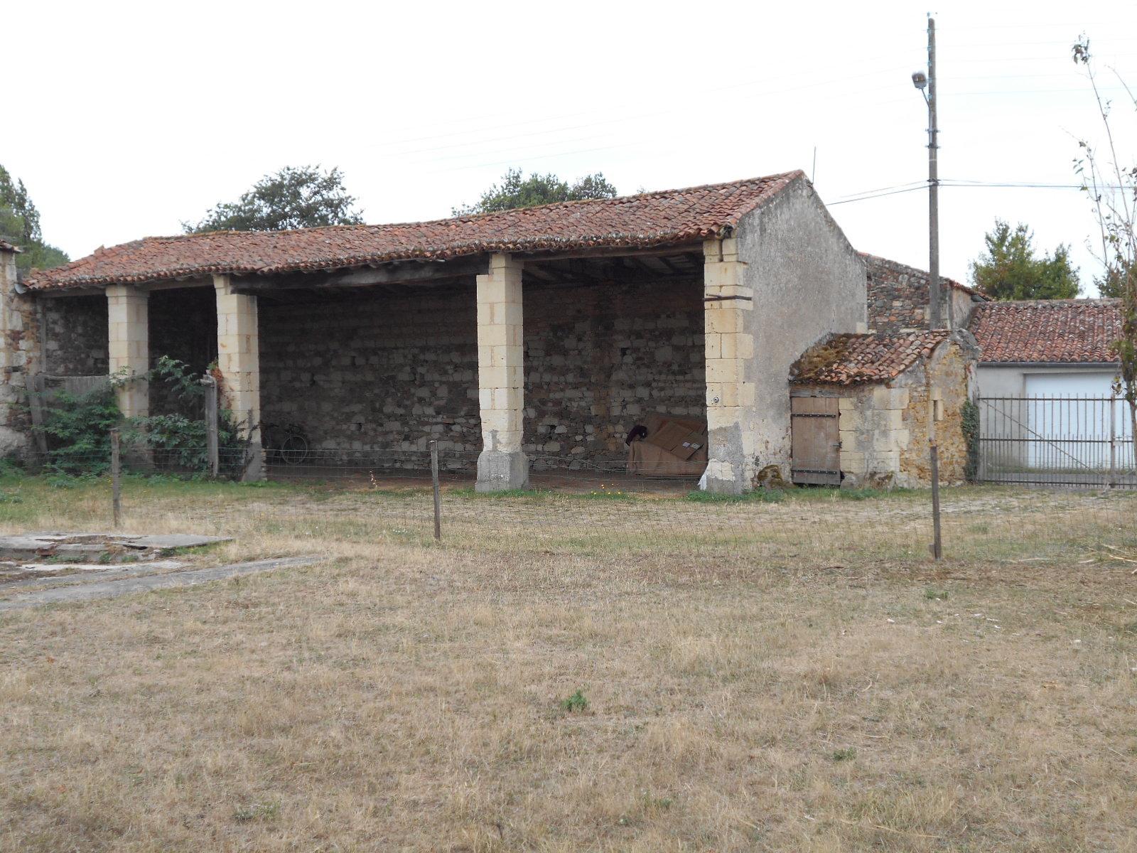 Sale House - Argenton-l'Église