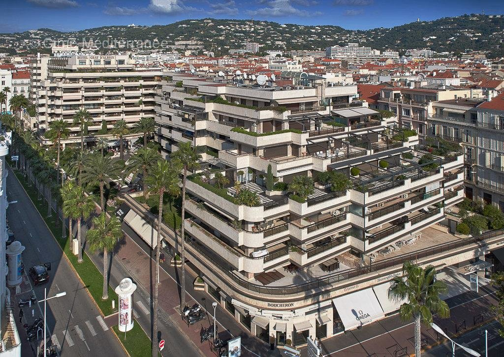 Luxury apartment for sale in Cannes, Le Gray D'Albion - One bedroom with terrace - Sole agency