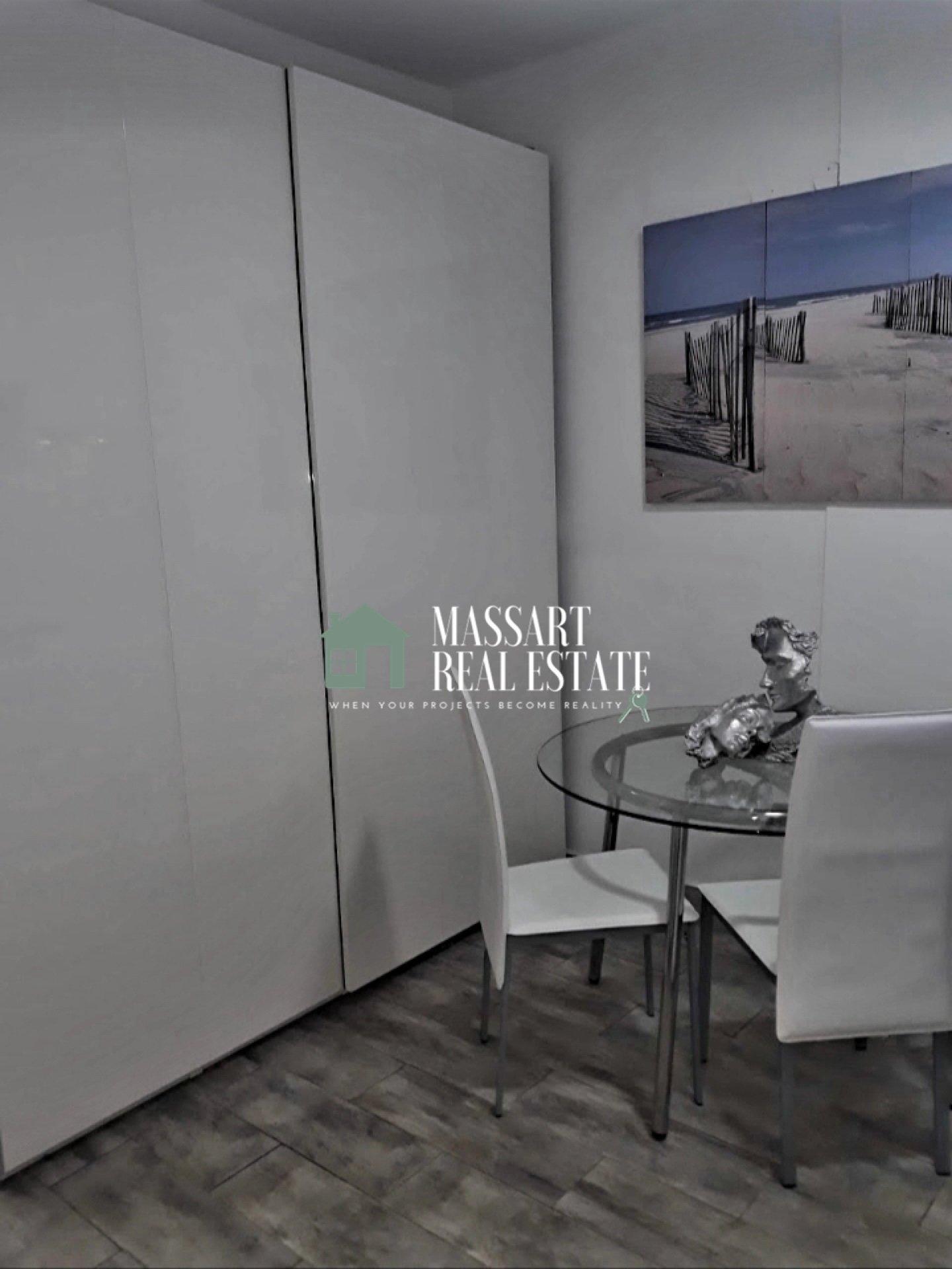 À vendre sur la Costa del Silencio, appartement de 50 m2 entièrement meublé et rénové.