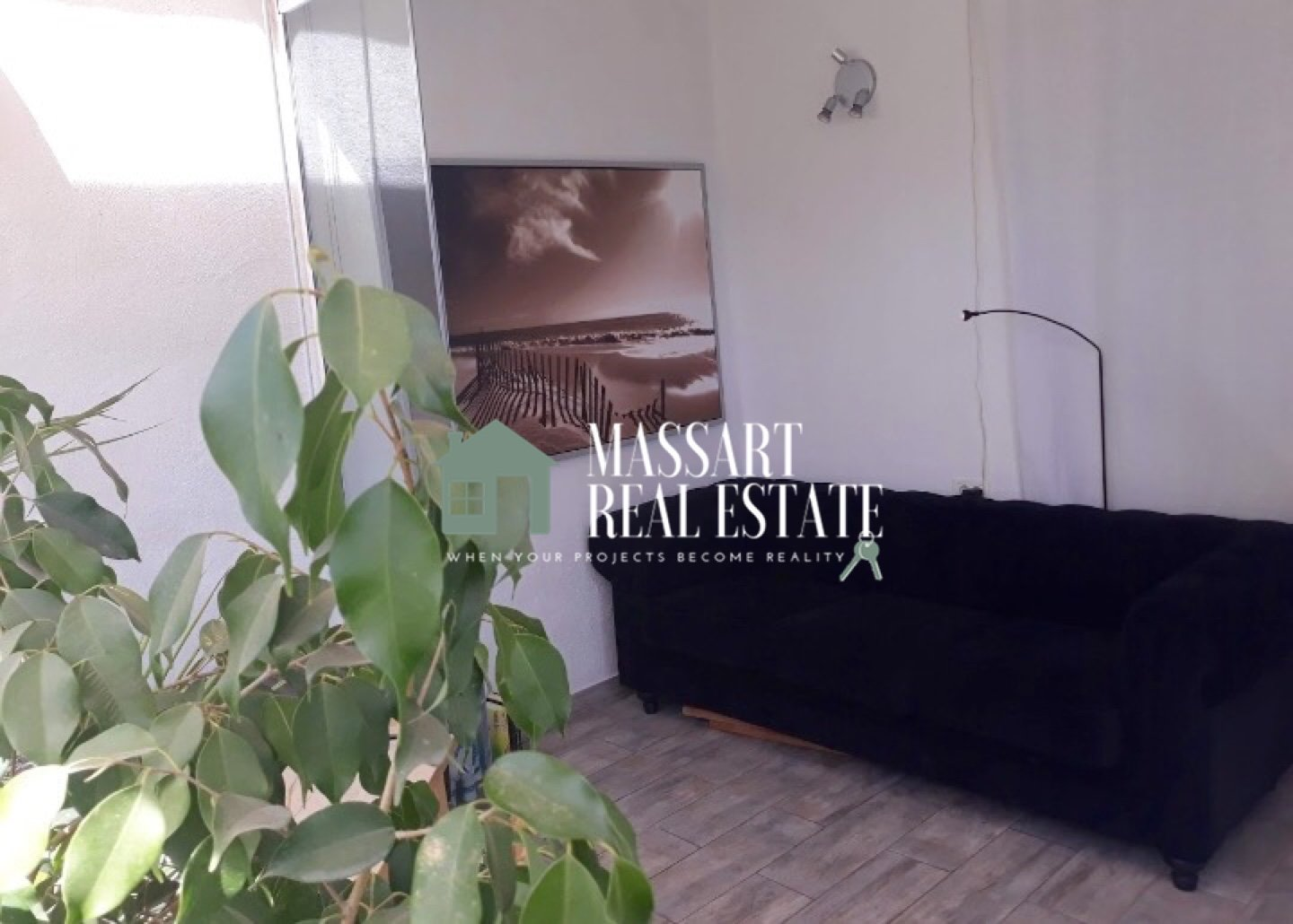 For sale in Costa del Silencio, 50 m2 apartment completely furnished and renovated.