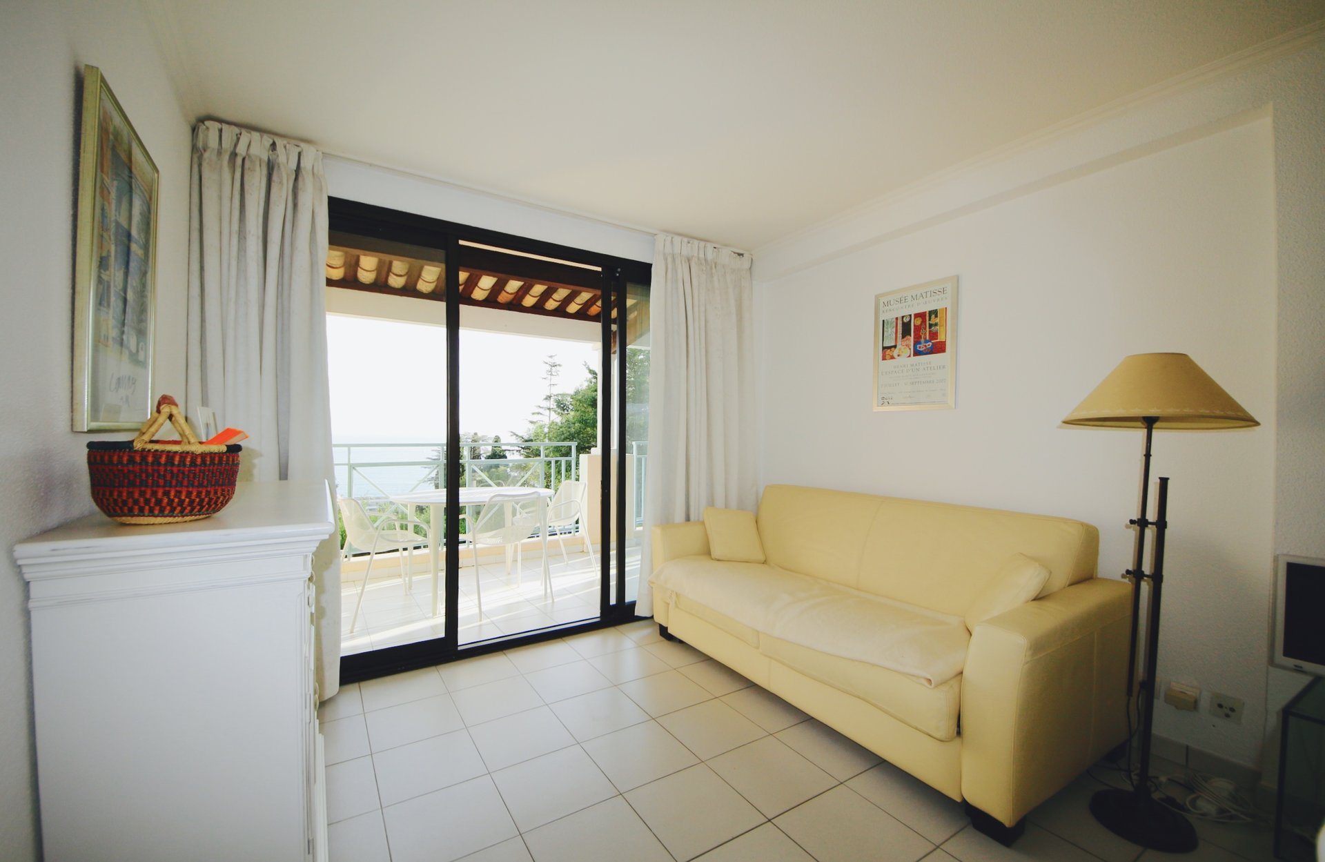 Cannes Croix des Gardes, beautiful 2 bedrooms apartment of 38sqm withe spacious terrace and sea view