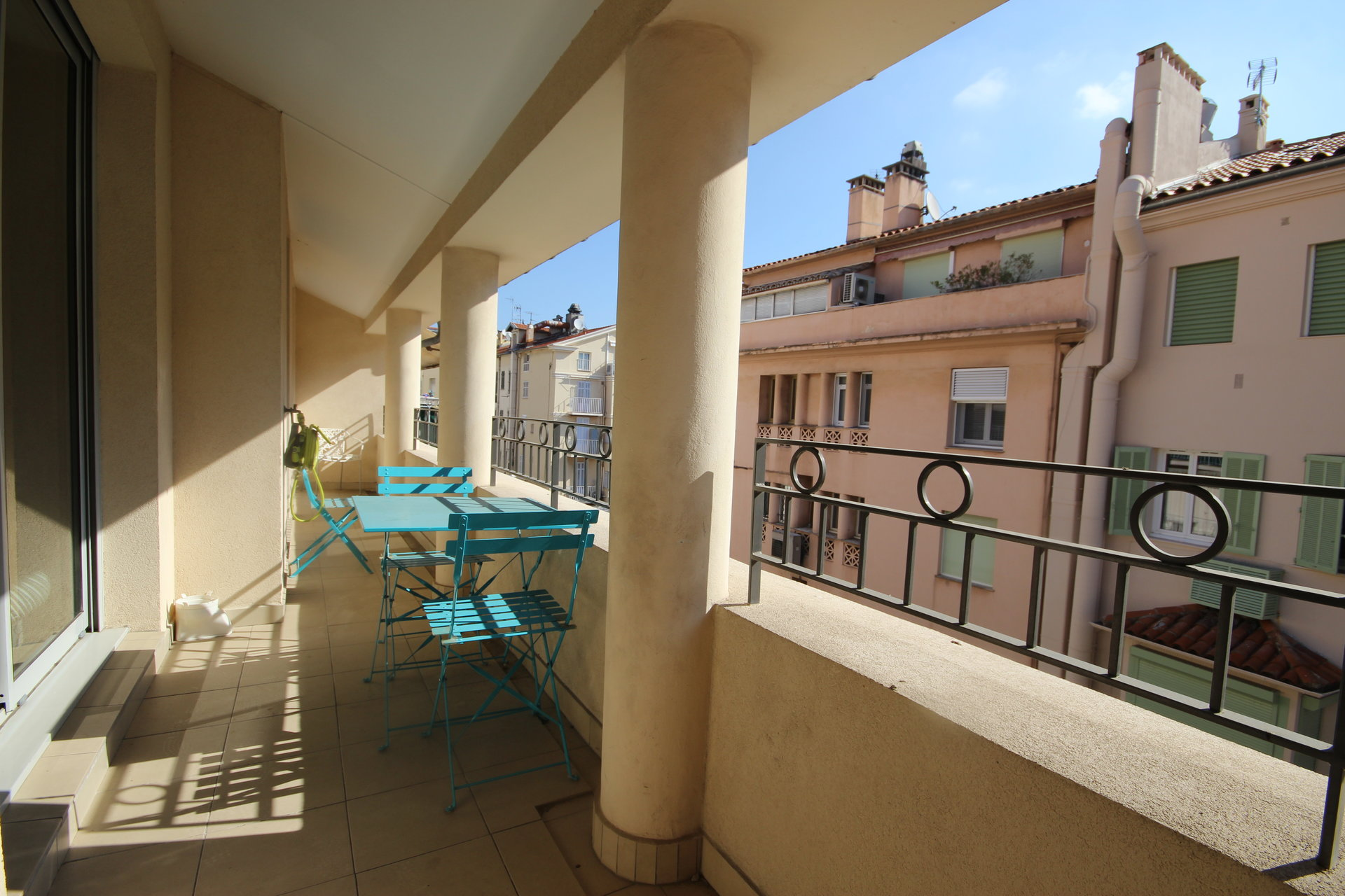 FULL CENTER CANNES LOVELY APARTMENT 2 bedrooms for sale