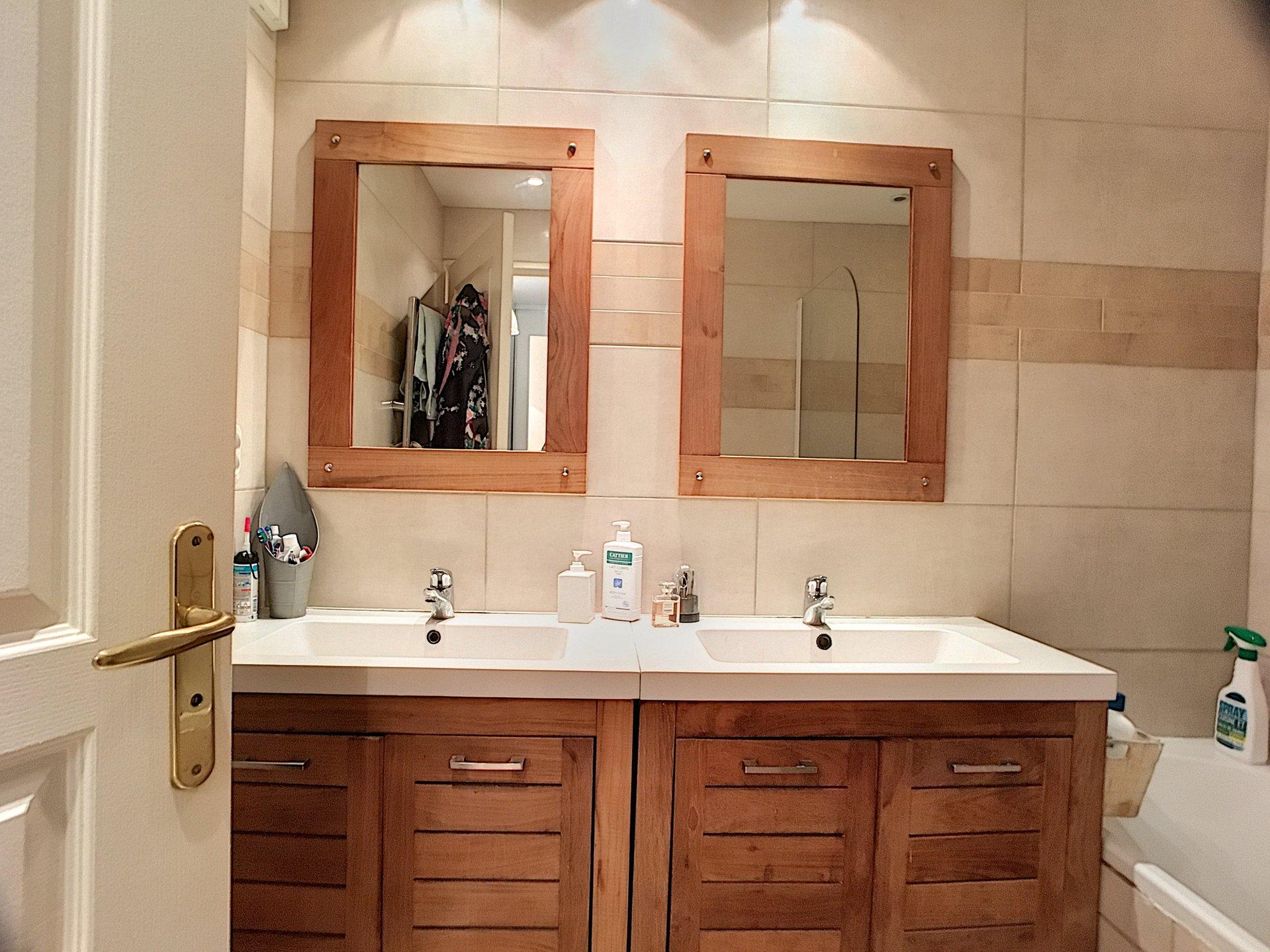 SAINT LAURENT DU VAR (06700) - Appartement duplex - 2 chambres - 3 pièces