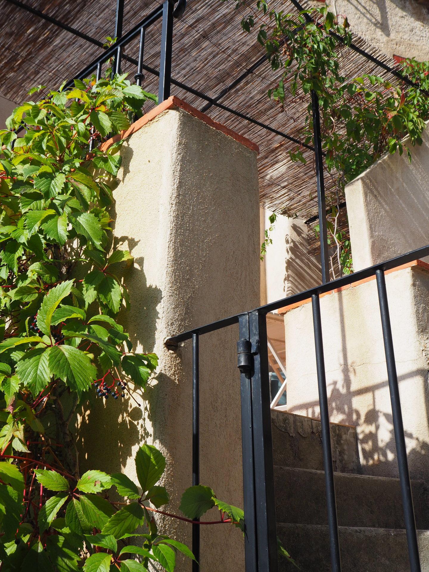 COTIGNAC Beaucoup de charme! Terrasse et parking!