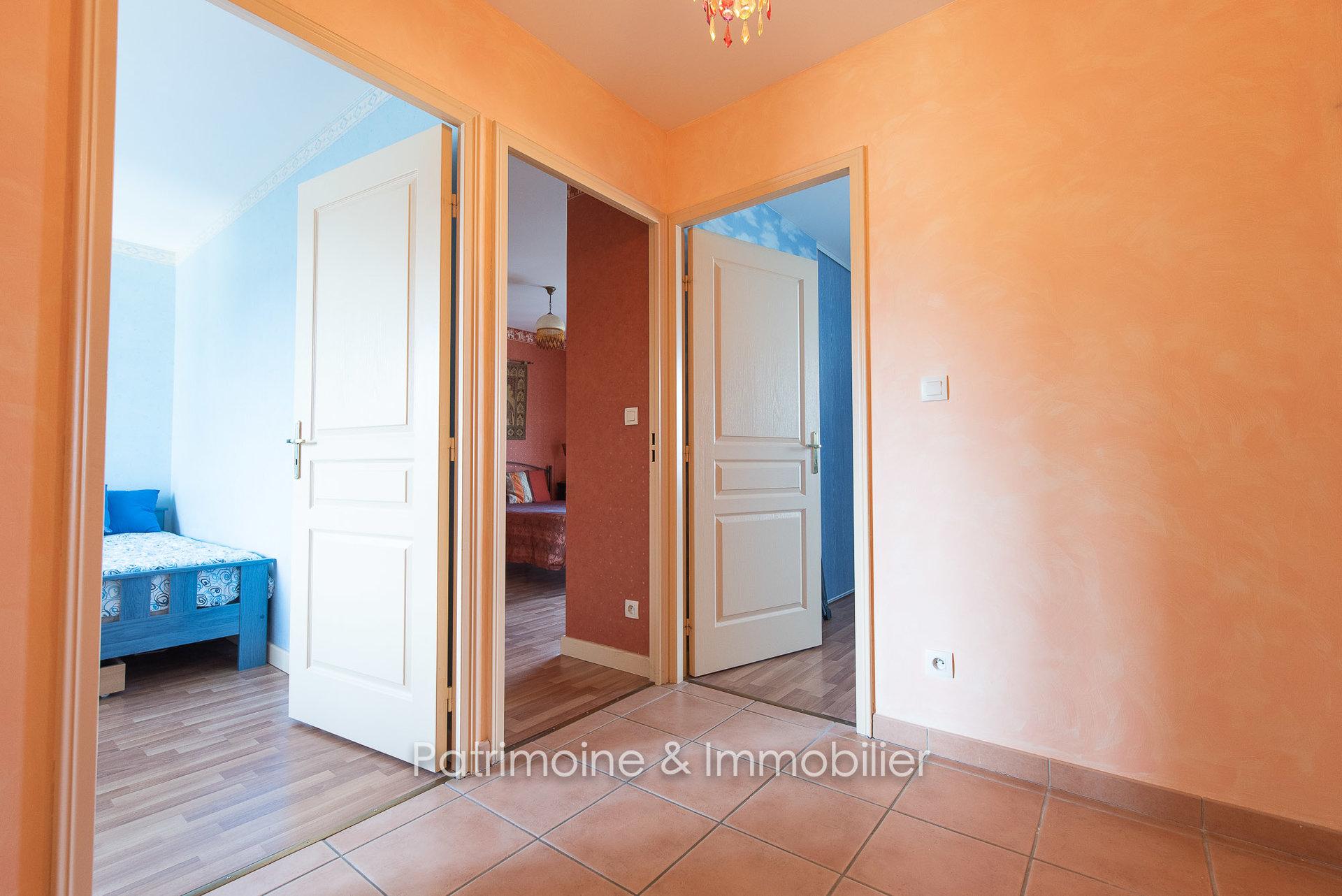 Sale Apartment - Saint-Bonnet-de-Mure