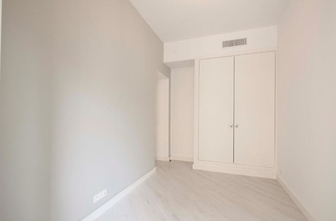 Fully renovated 3-bedroom apartment - Nice Centre Ville