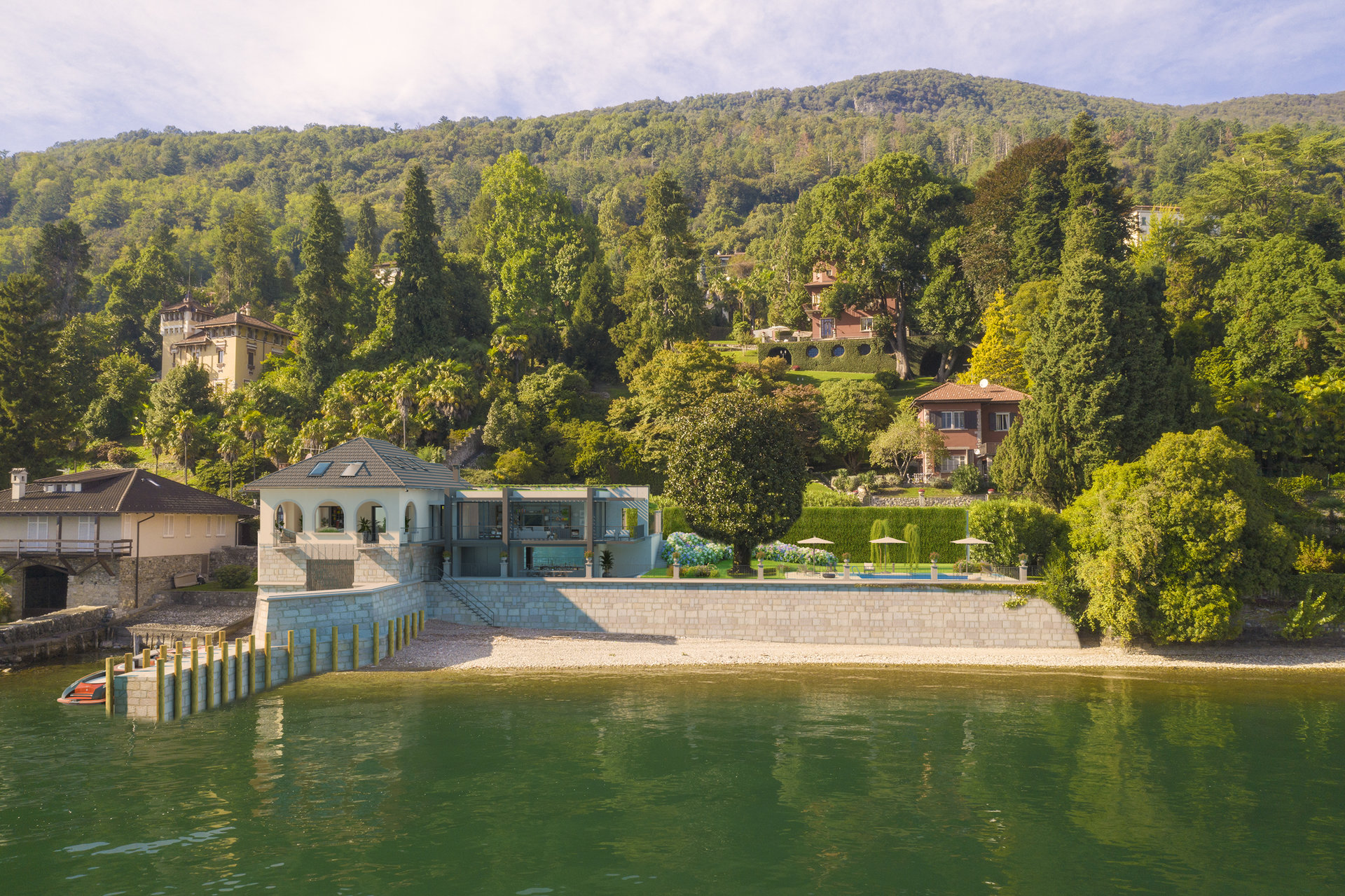 Period villa pieds dans l'eau for sale in Ghiffa - lake view villa