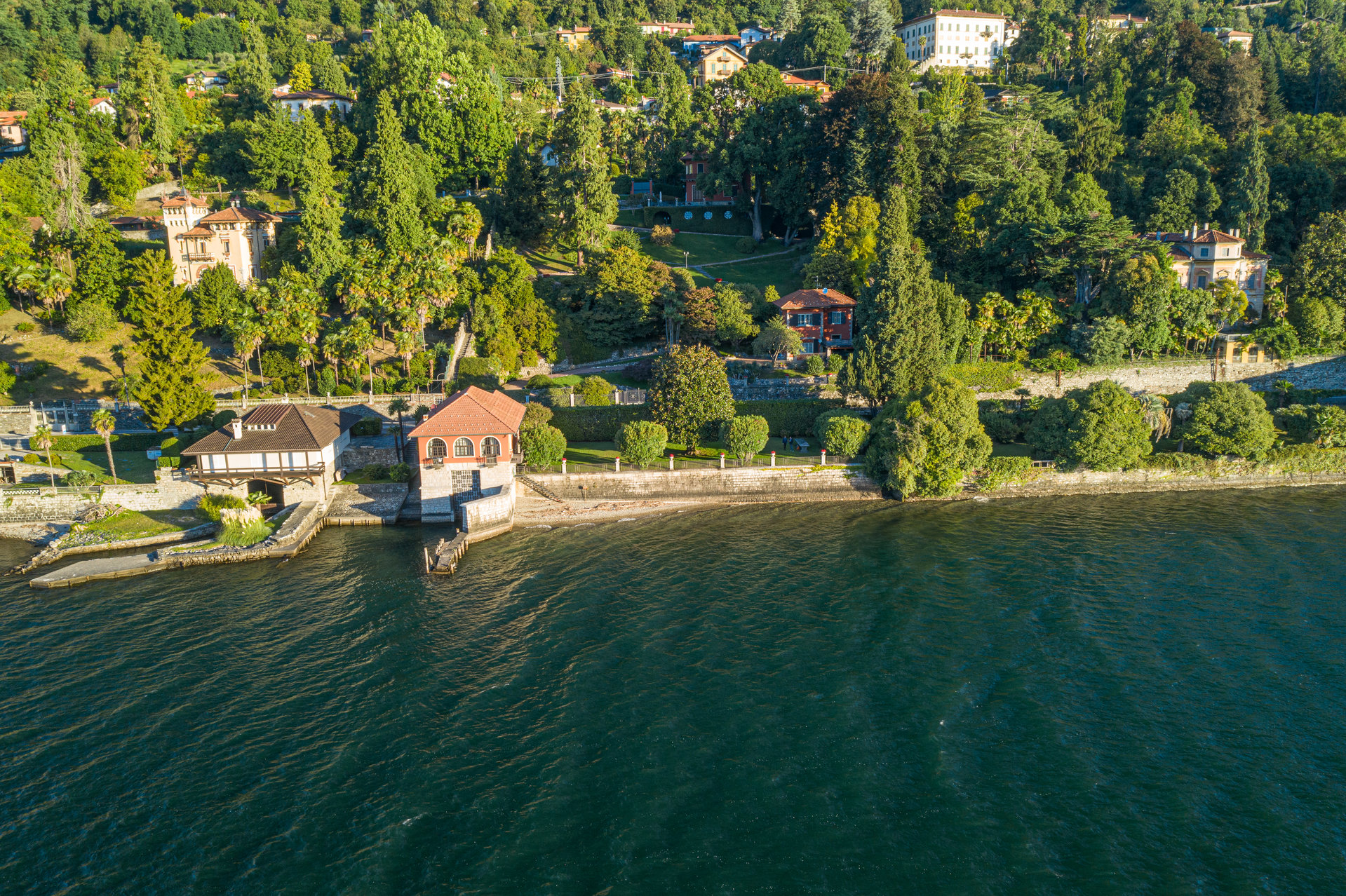 Period villa pieds dans l'eau for sale in Ghiffa - top view