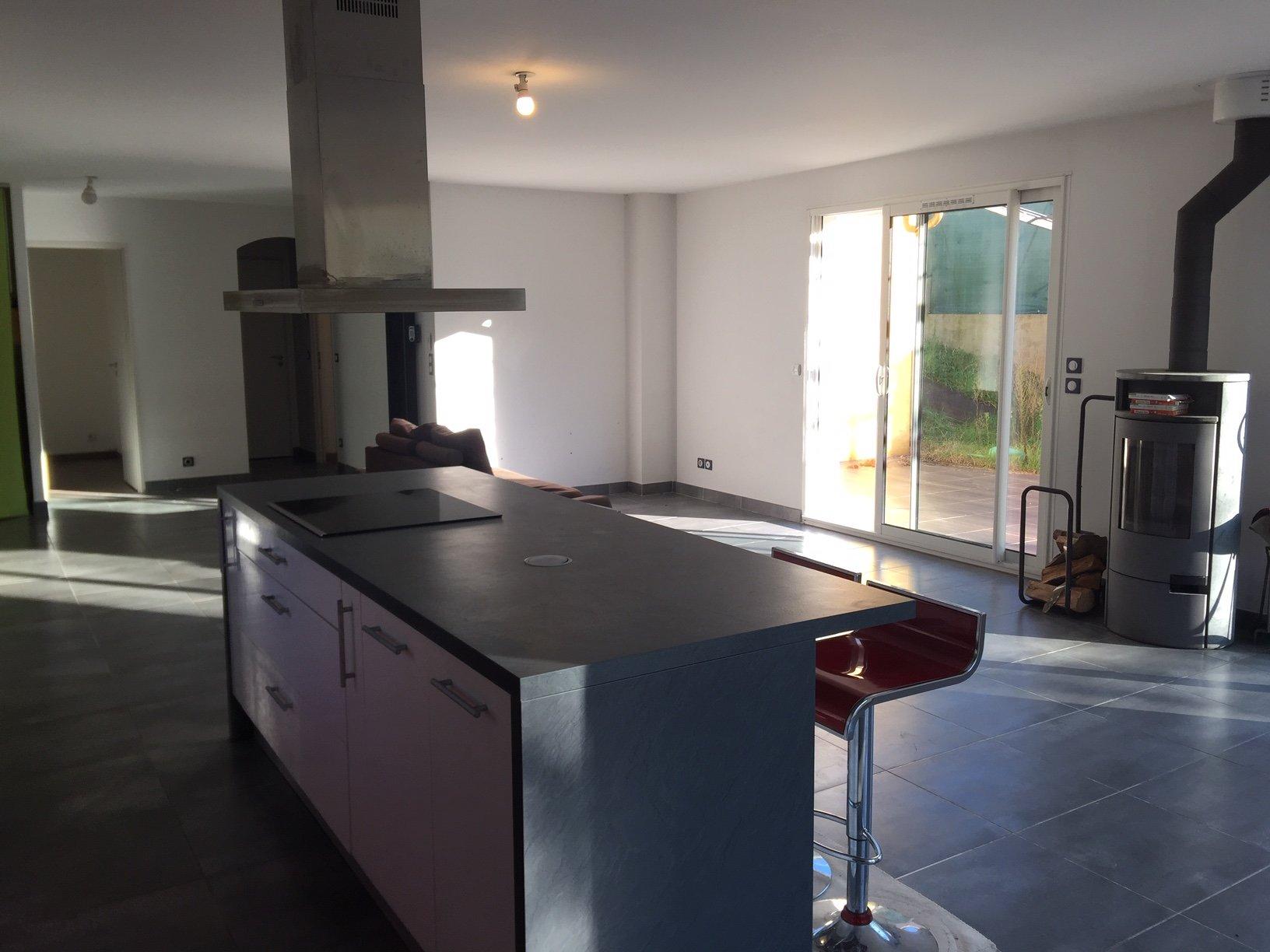 Kitchen island, kitchen bar