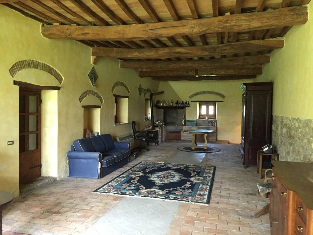 HISTORICAL COUNTRY HOUSE WITH DEPENDANCE, LAND AND SWIMMING POOL IN GRAFFIGNANO
