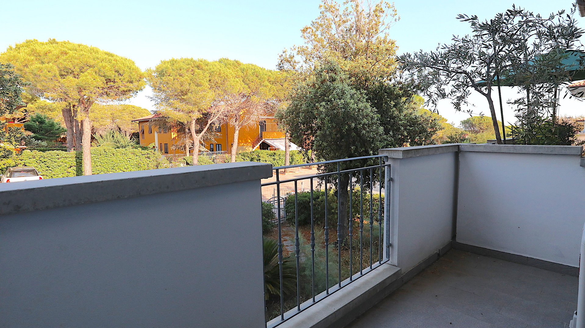 2-STOREYS APARTMENT WITH SEA VIEW