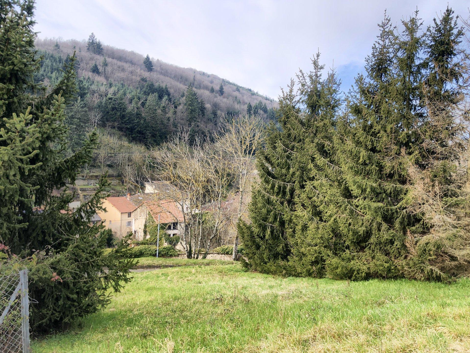 Sale House - Beaujeu