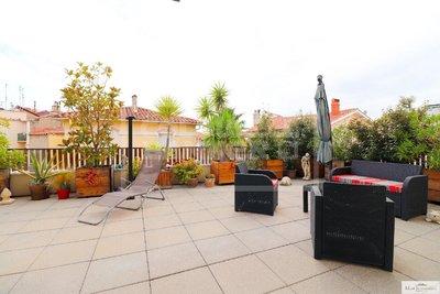 Terrasse 79m² + deux garages en centre ville