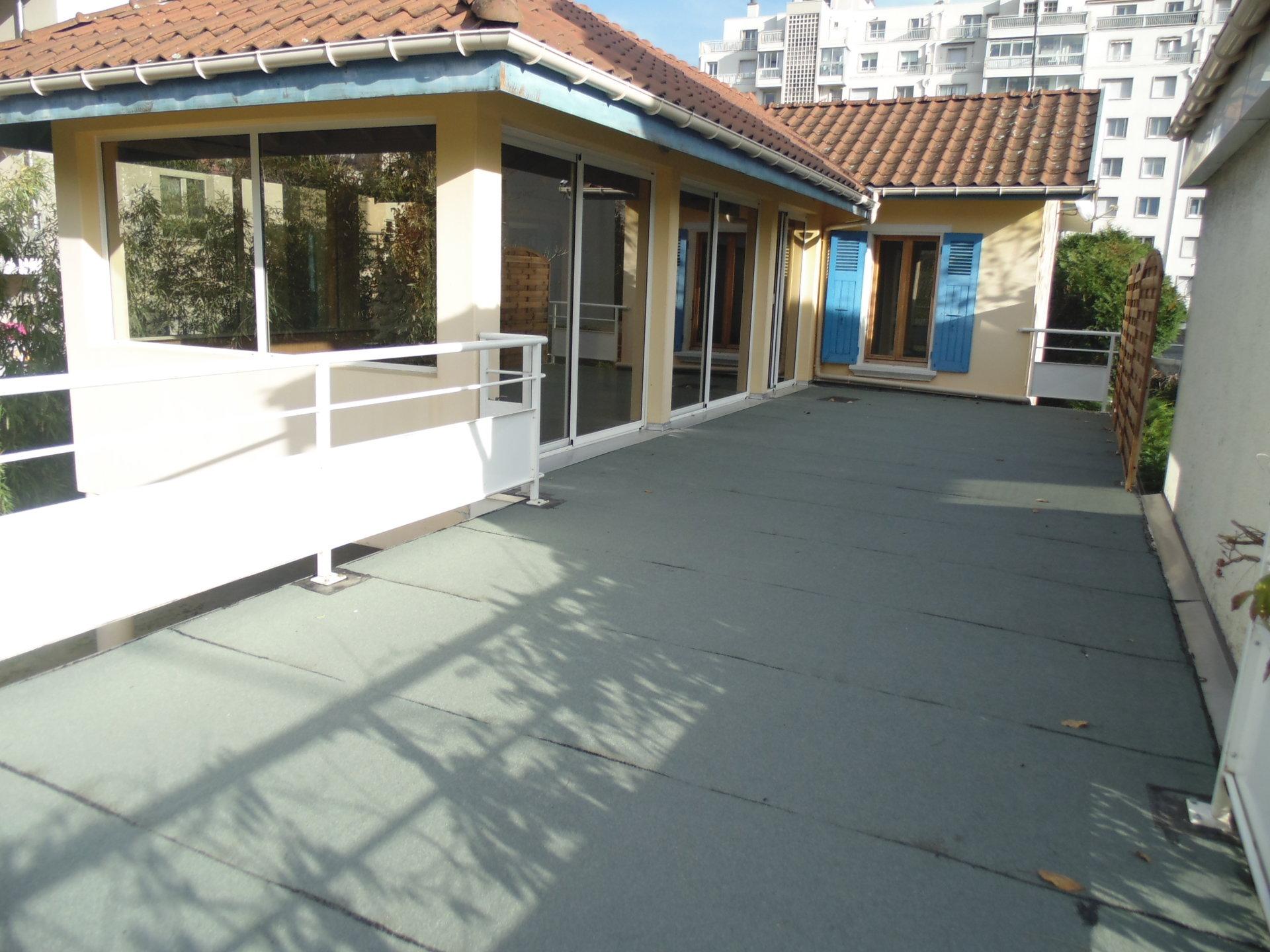 Maison  GRENOBLE  proche  lycée Mounier