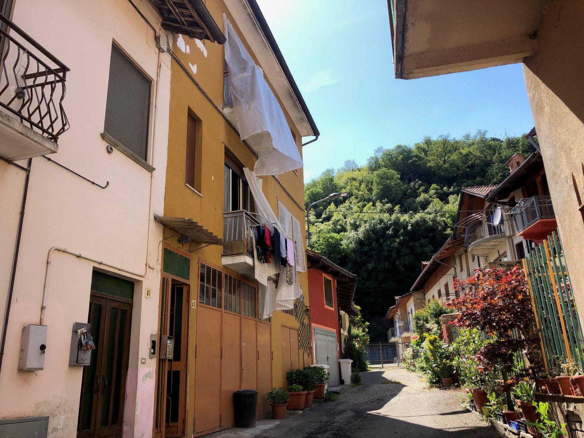 Casa in centro a Corneliano D'Alba
