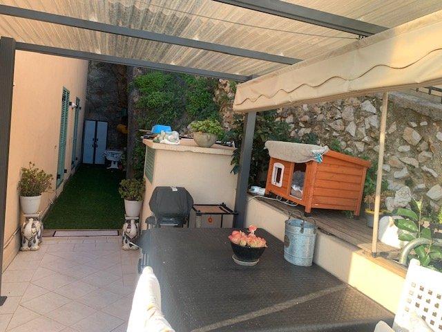 Aux Portes de Monaco- Résidence récente-T3 avec Terrasse-Jardin-Garage- Une vue sur la mer et Monaco !