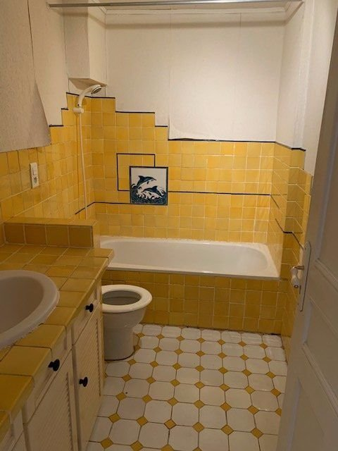Duplex apartment in Lorgues for sale.