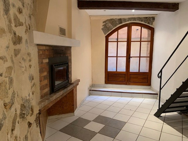 Duplex apartment in Lorgues for sale.
