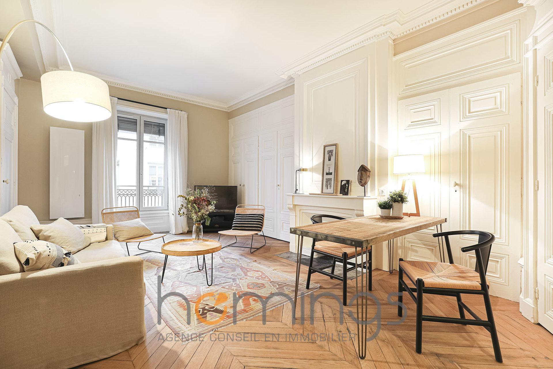 Loué par notre agence - T3 meublé Place des Célestins