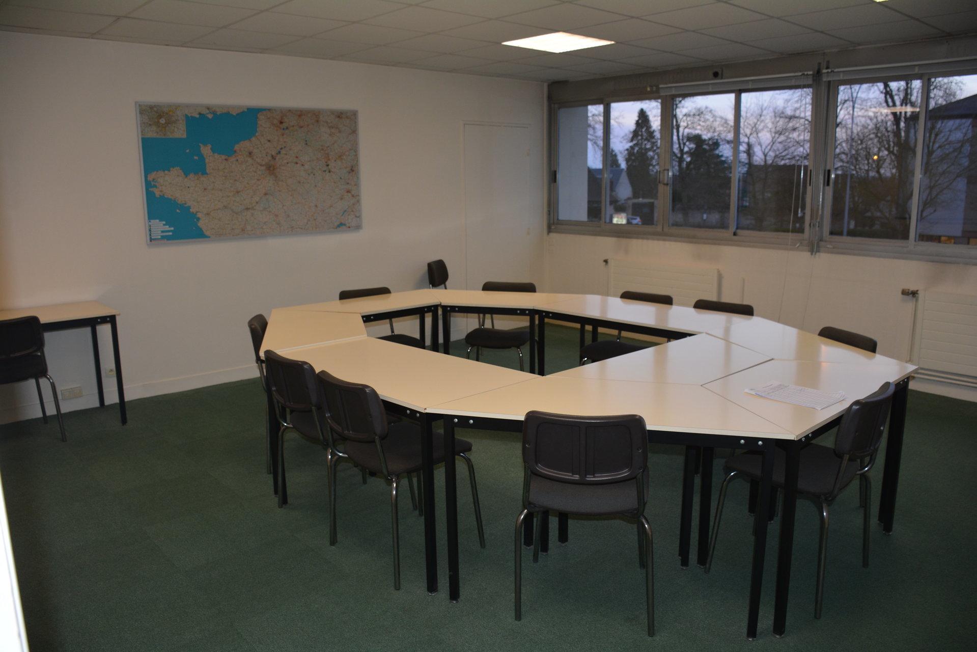 LOCAL PROFESSIONNEL SENLIS 80 m2