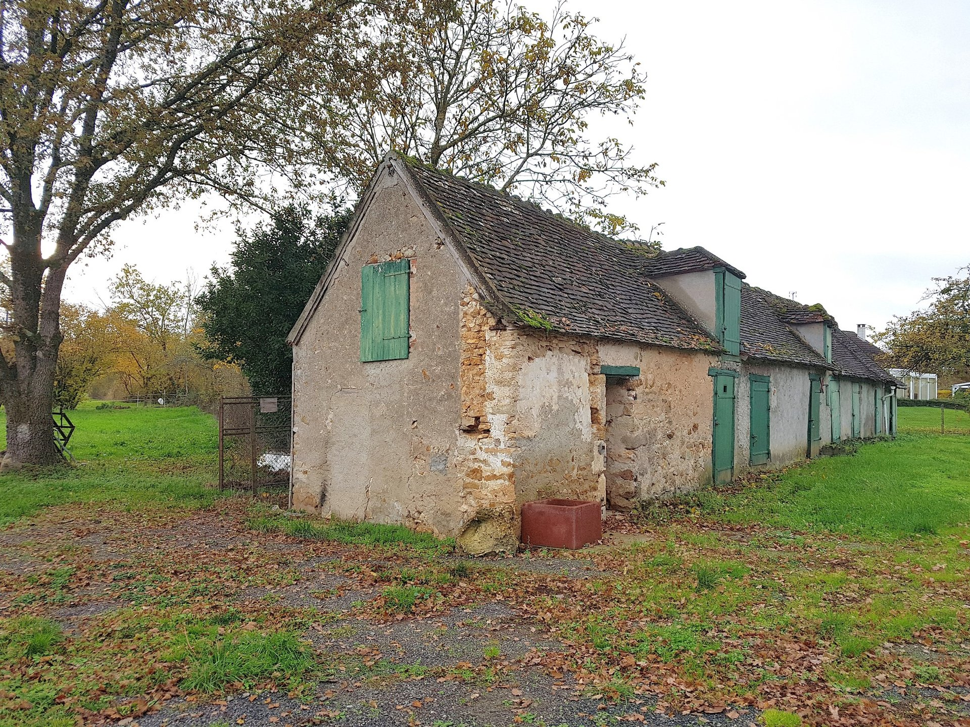 La Brenne, Indre 36, proche Belabre: propriété avec terrain