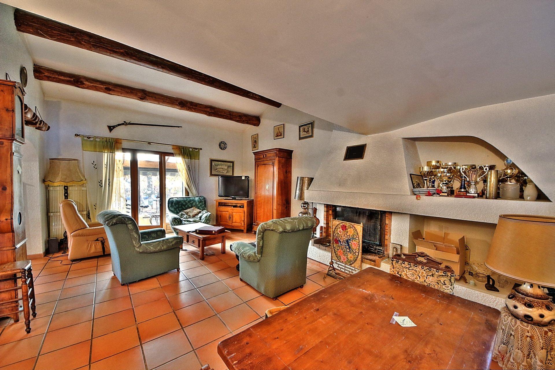 Aups, jolie maison provencale avec piscine - Bel environnement Var Provence