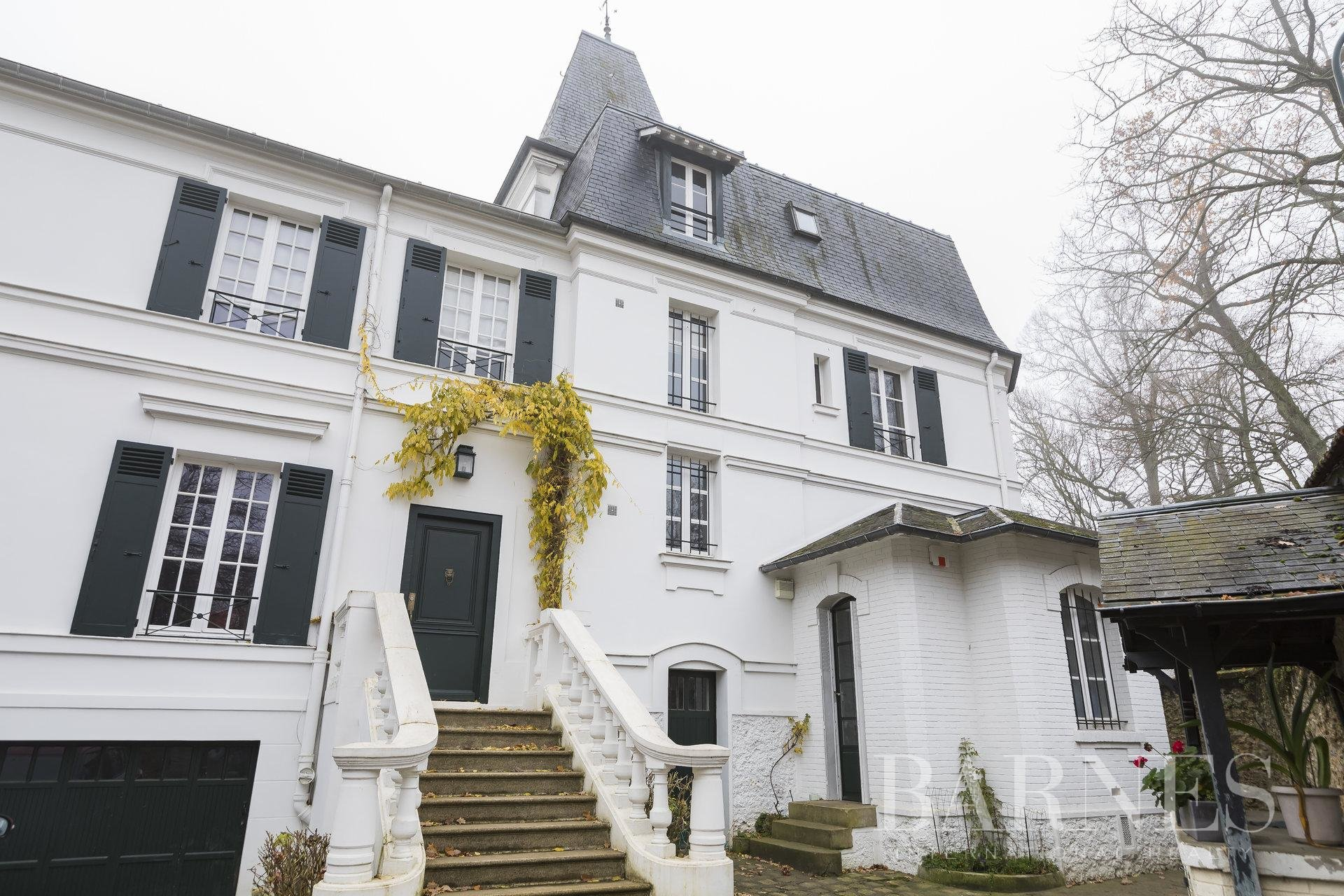 See details for Luxury-properties Vaucresson