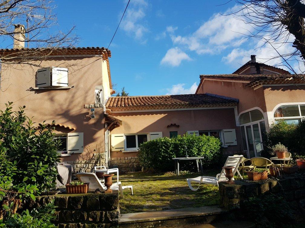 Villa 12 pièces de 280 m2
