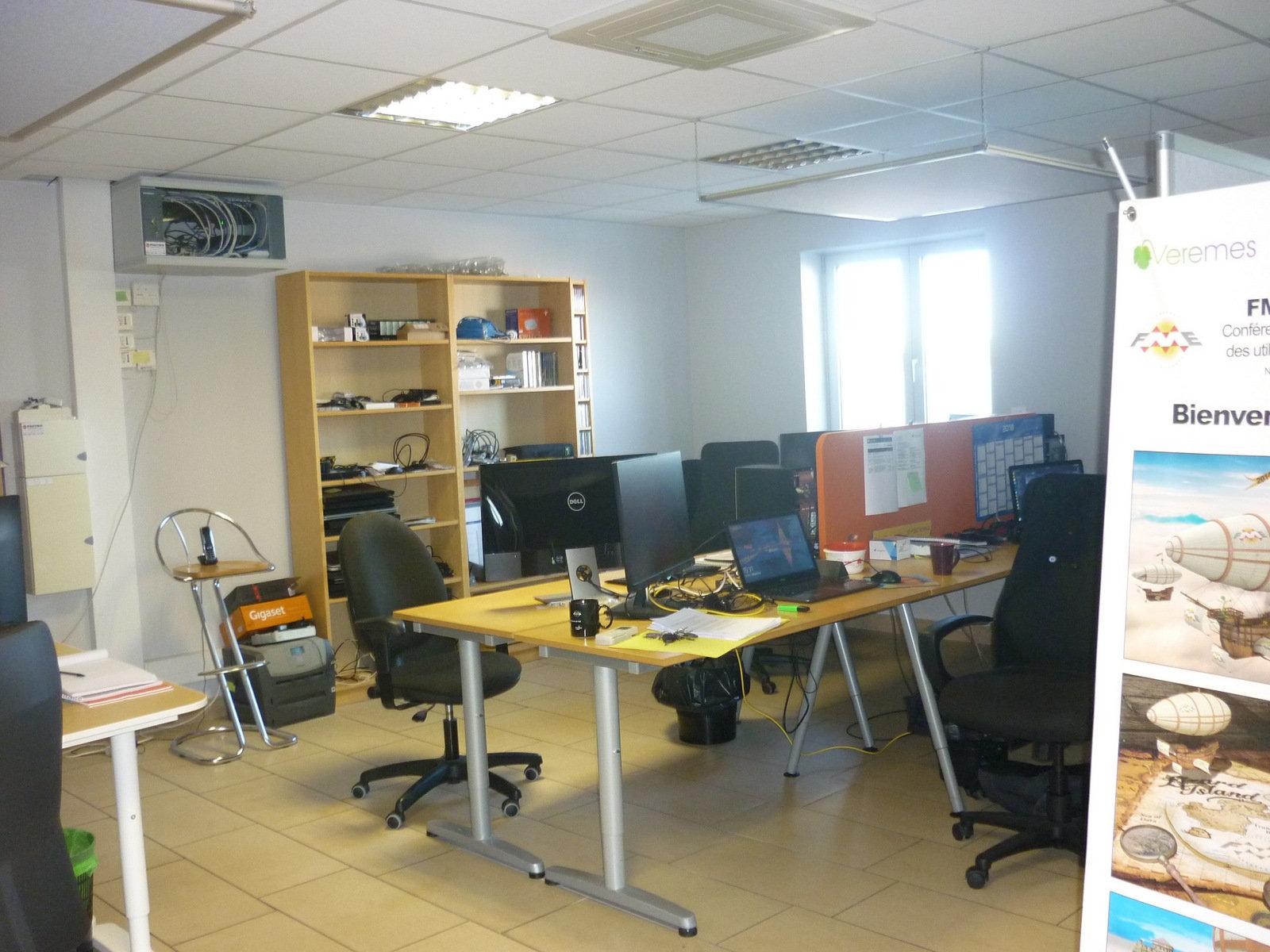 Bureau à Saint-Estève -dbi002587