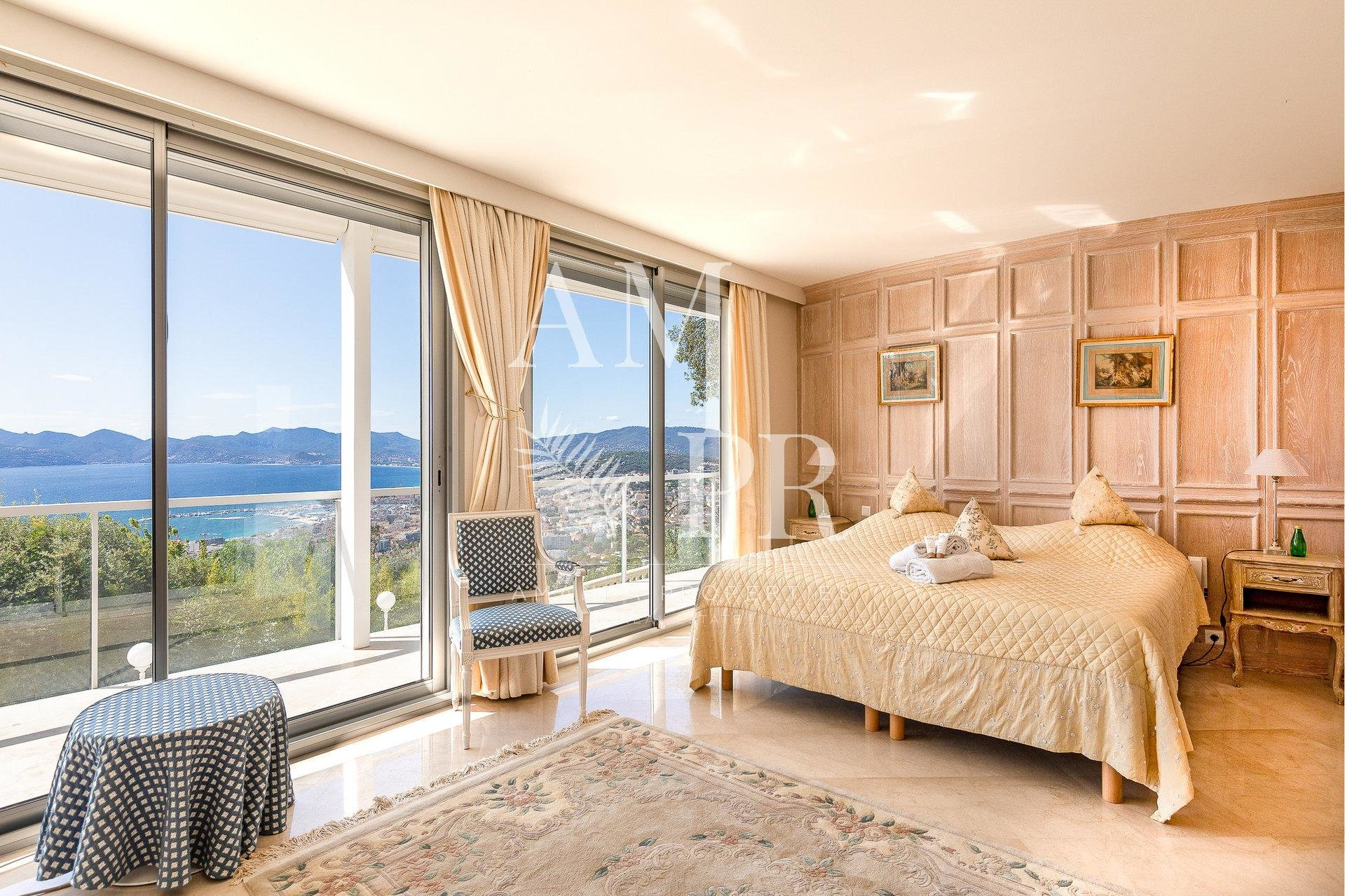 CANNES HAUTE CALIFORNIE HOTEL PARTICULIER LUXE VUE PANORAMIQUE MER