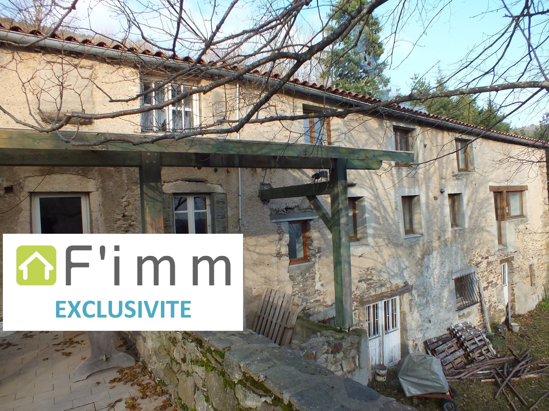 Propriété comprenant plusieurs logements