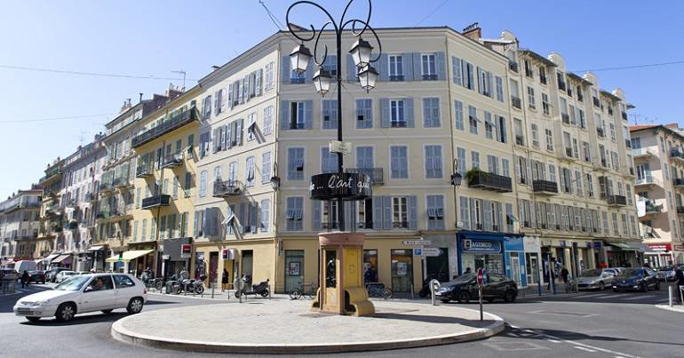 MURS COMMERCIAUX OCCUPES - NICE- 50M²