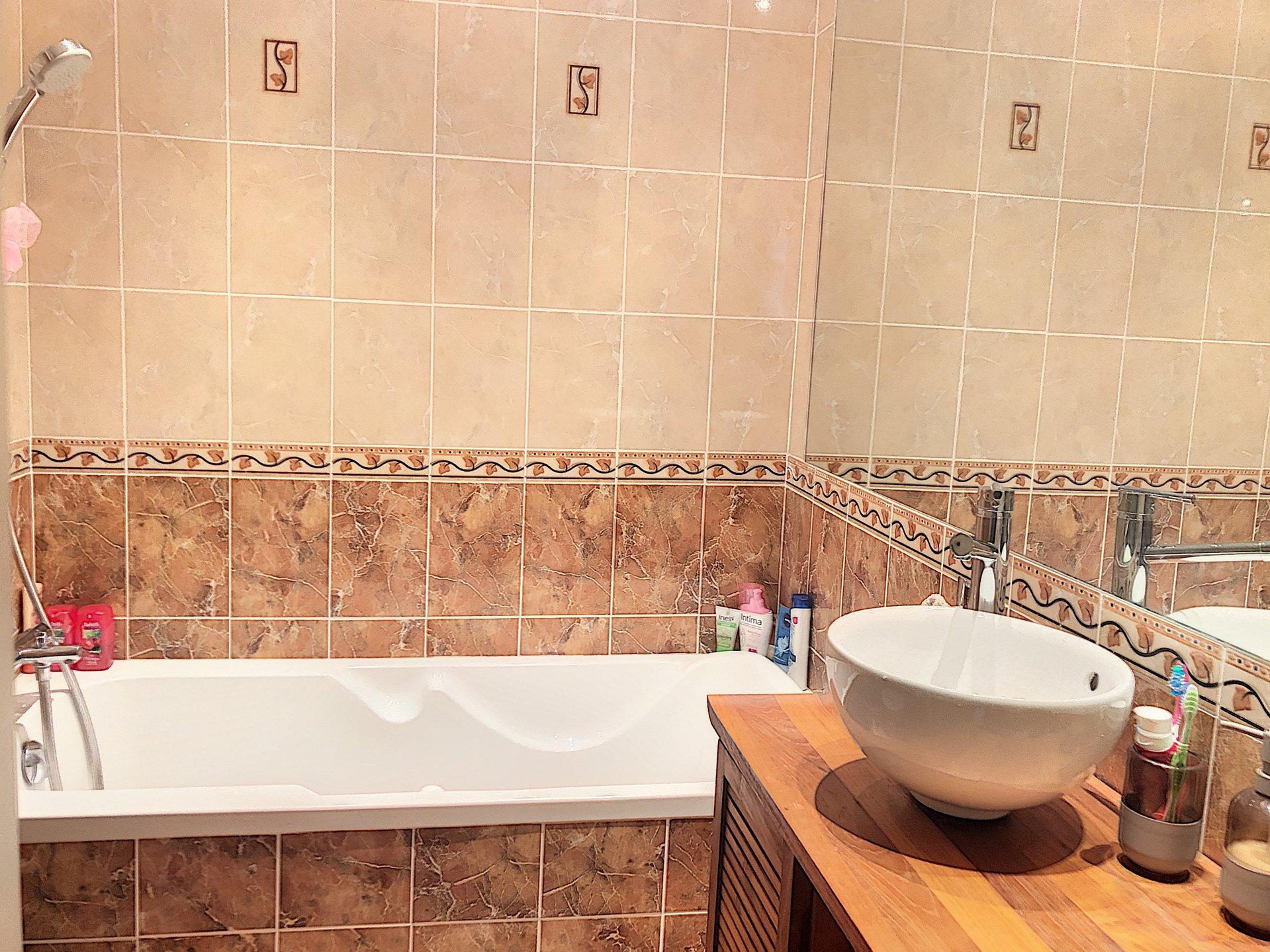 VENCE (06140) - Appartement 2 pièces - Terrasse