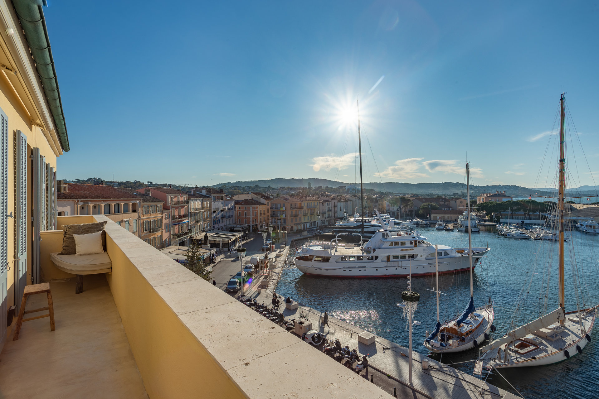 A Stylish & Contemporary Luxury Apartment In The Heart Of Saint-Tropez