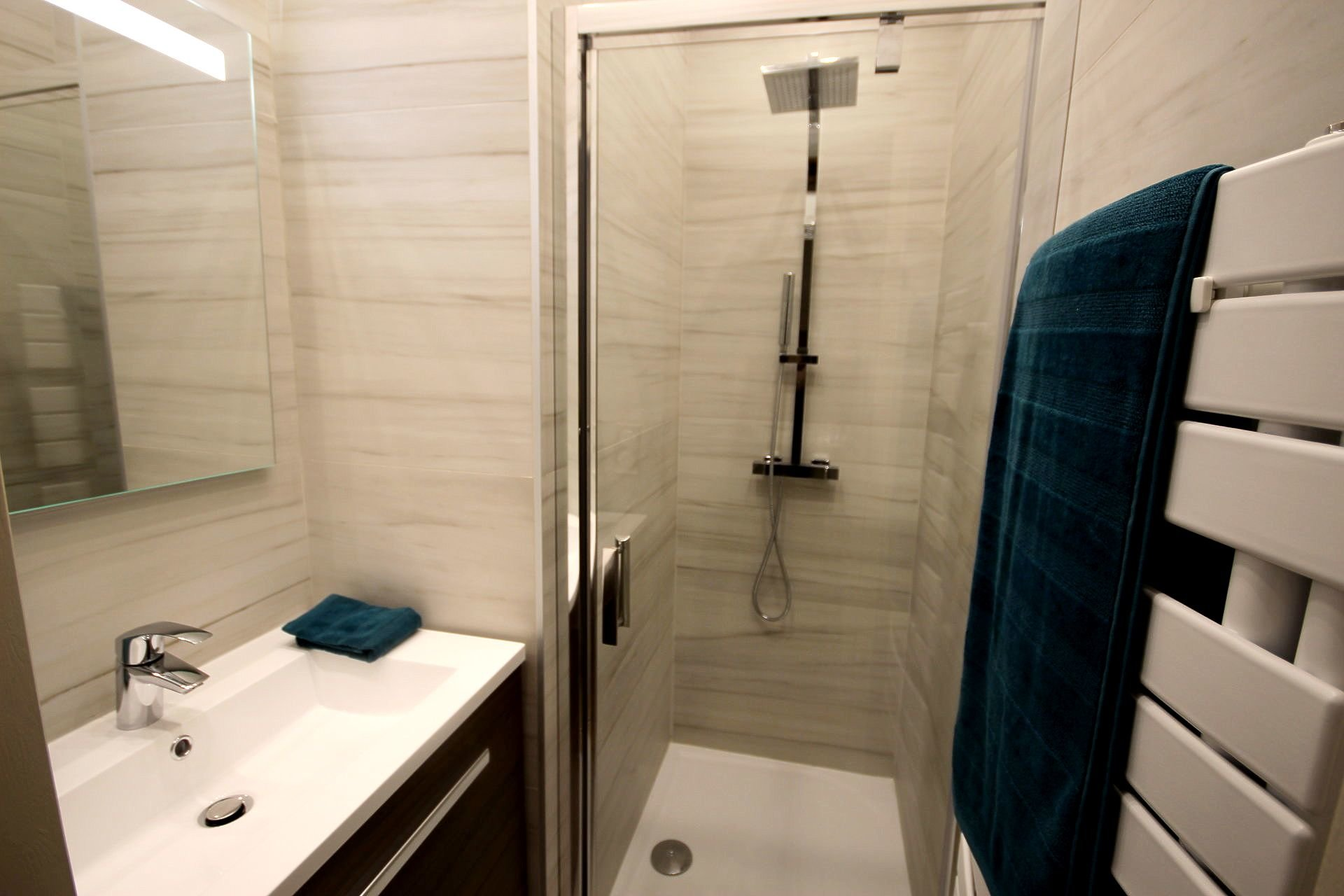 SALE 2 ROOMS RENOVATED IN QUIET NEAR CITY CENTER