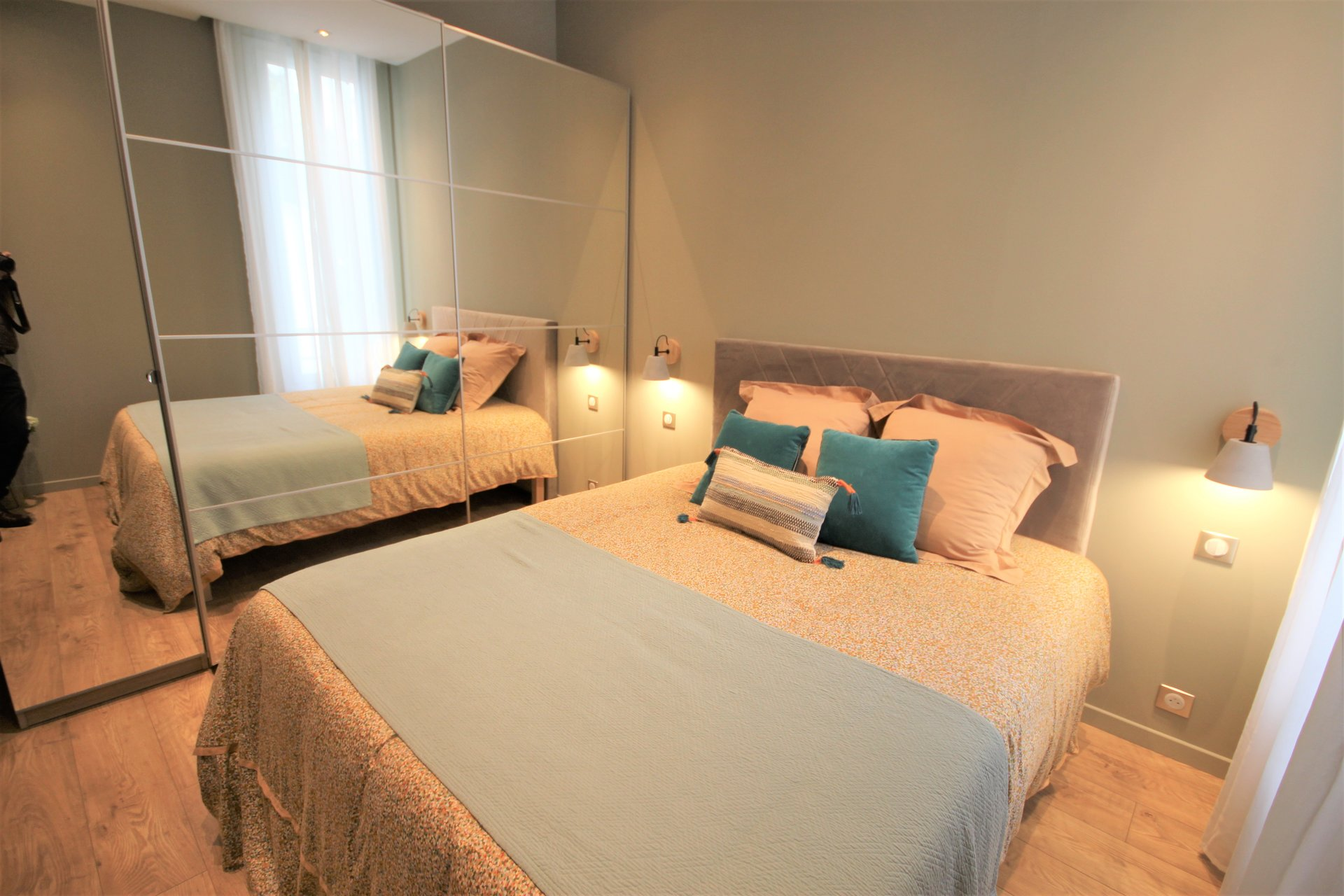 CANNES SALE 2 ROOMS RENOVATED IN QUIET NEAR CITY CENTER