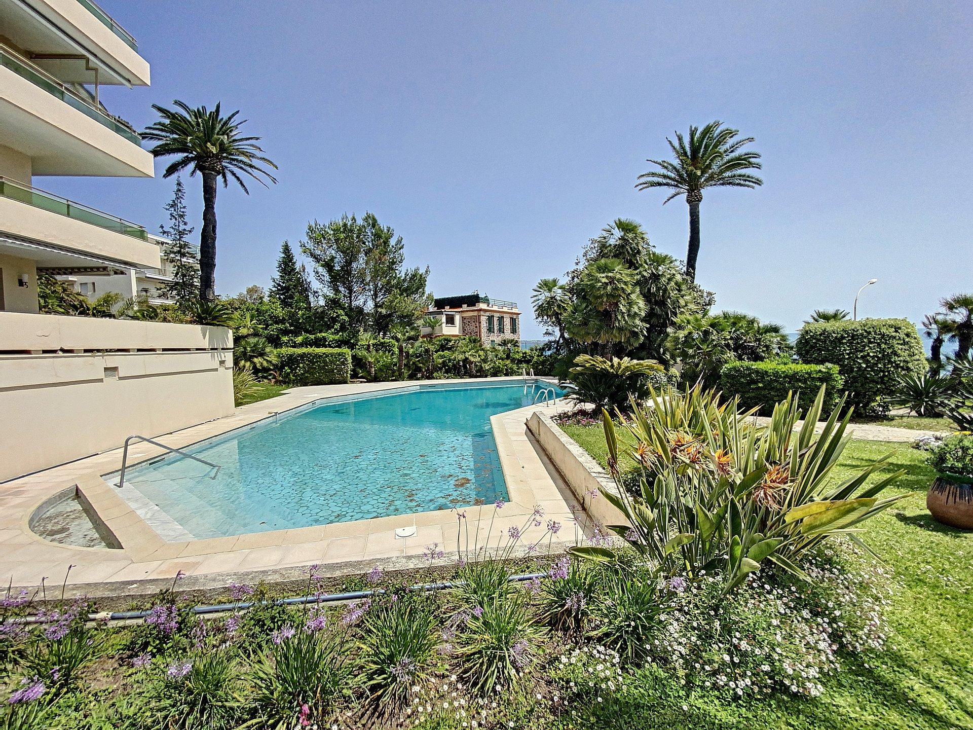 Cannes Palm Beach 2P 42 m2 étage élevé
