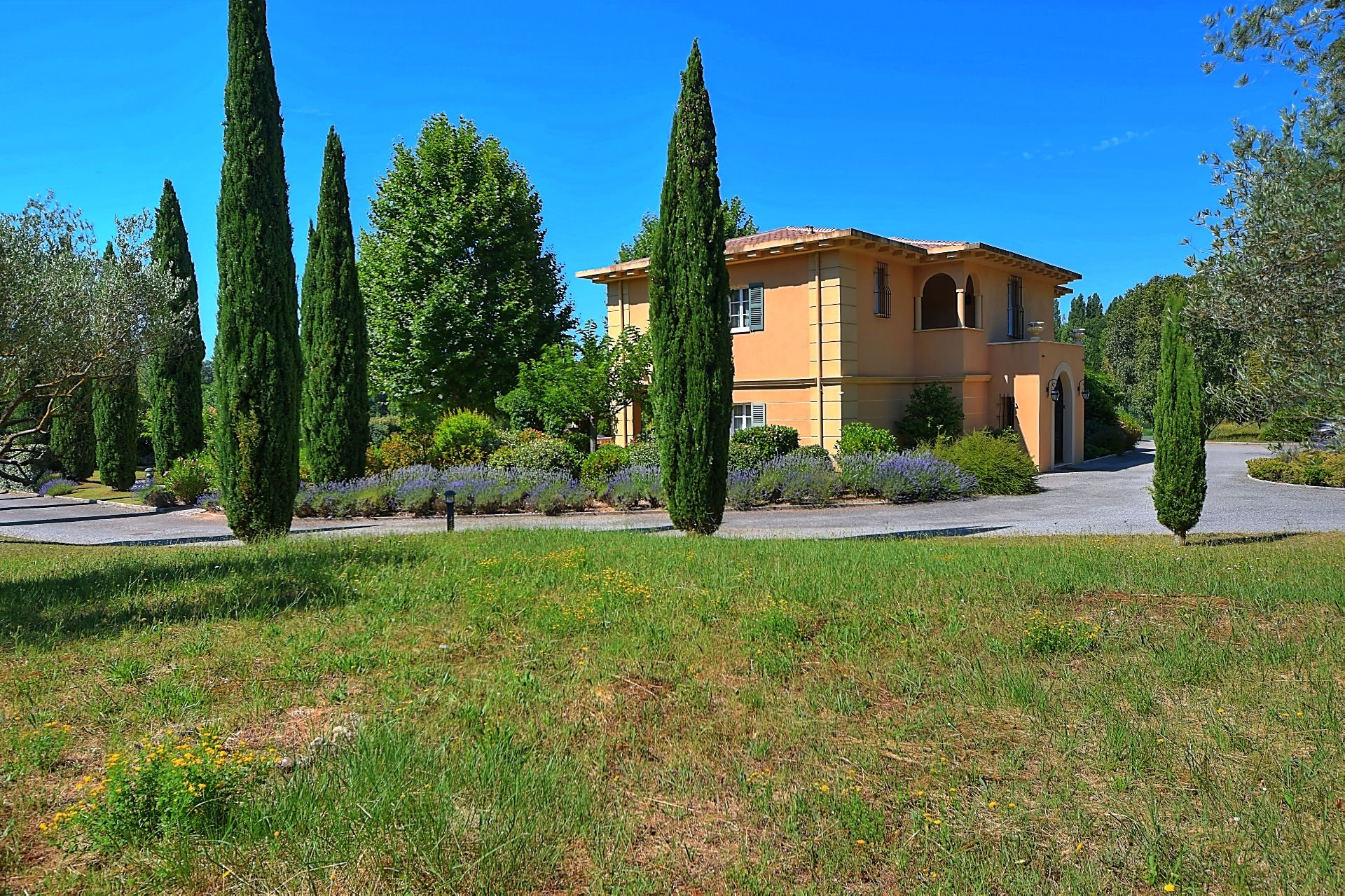 Master house with swimming pool and tennis on approx 5 acres Salernes