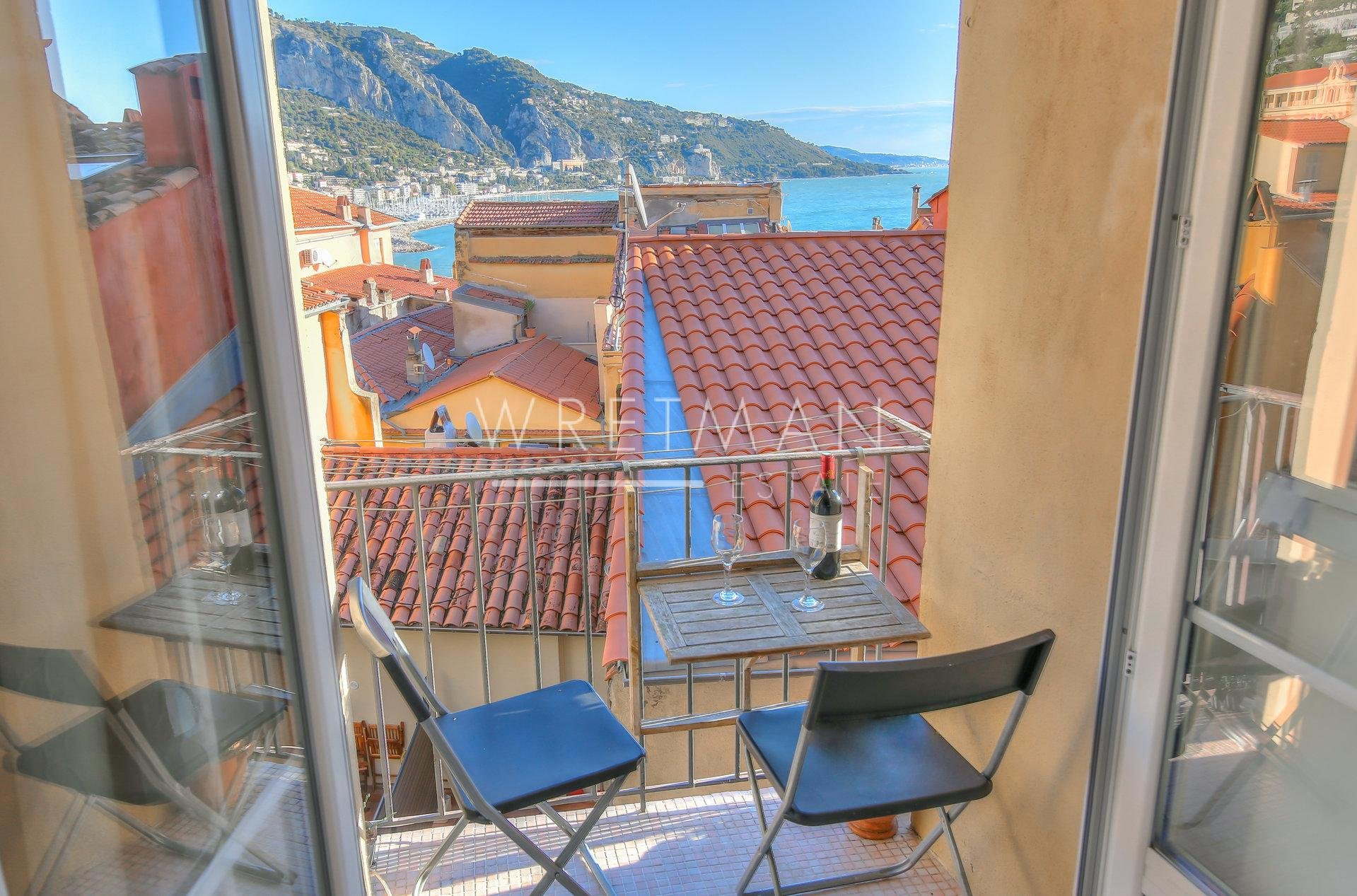 Beautiful and large studio flat with balcony and sea views - Menton Vieille Ville
