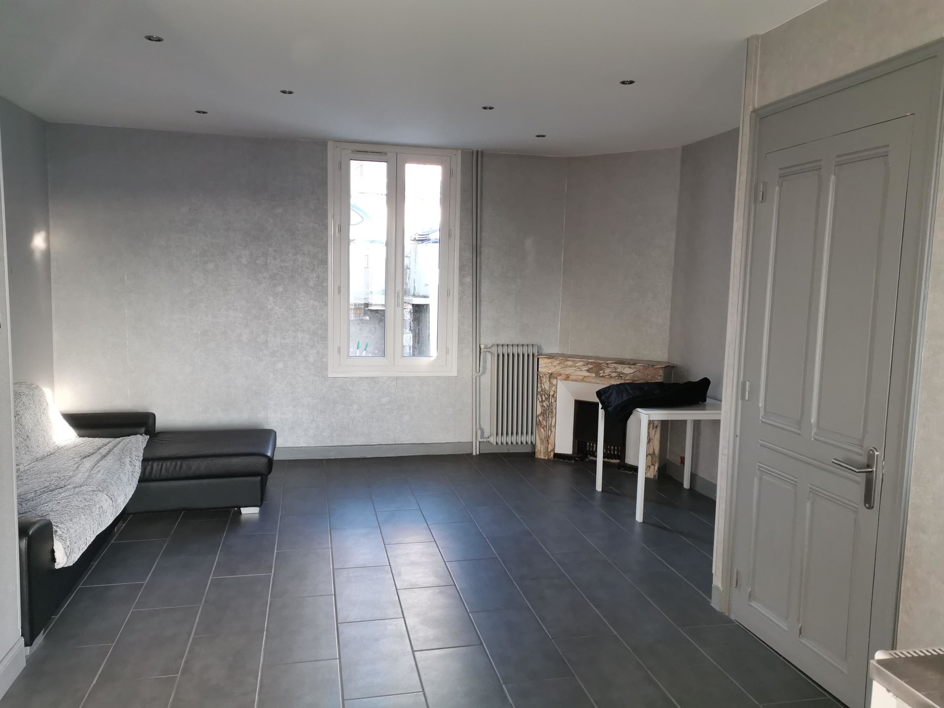 SAINT-CHAMOND, APPARTEMENT + STUDIO
