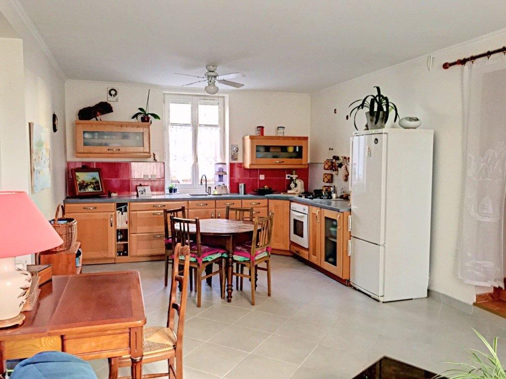 Achat Maison, Surface de 74.45 m²/ Total carrez : 74 m², 3 pièces, Saint-Fons (69190)