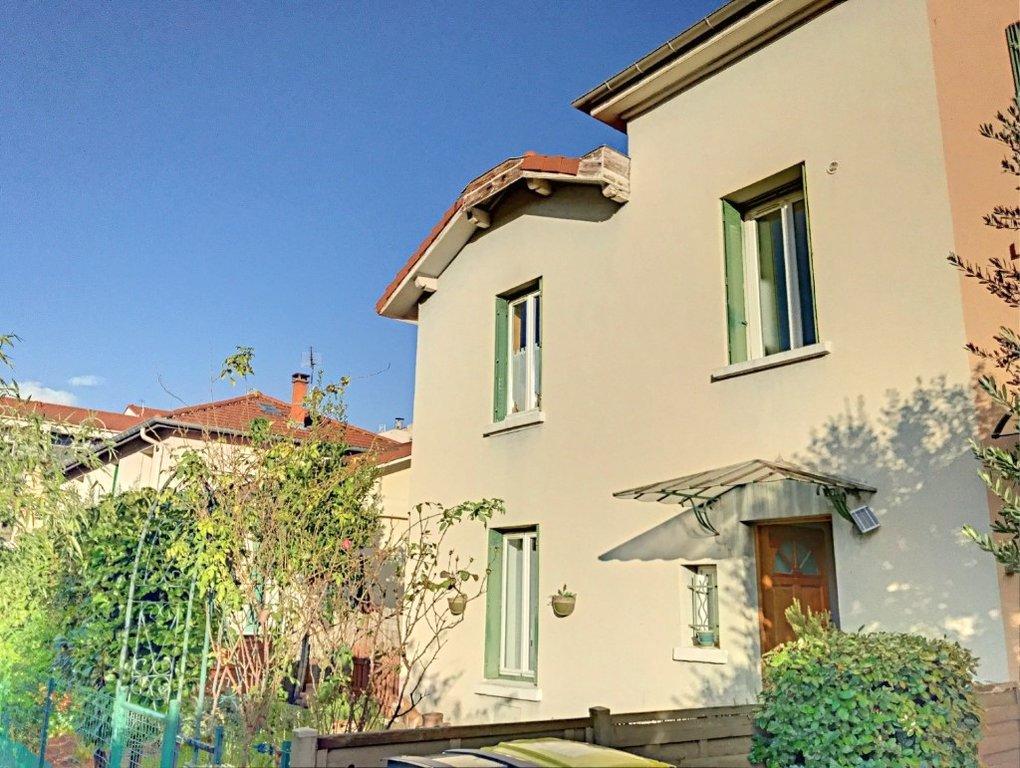 Achat Maison Surface de 74.45 m²/ Total carrez : 74 m², 3 pièces, Saint-Fons (69190)